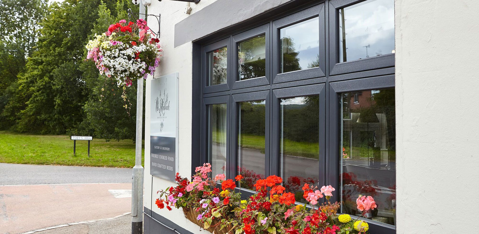 finest selection 63882 27c2d Tips On How To Choose The Best Double Glazing Window Company ...